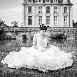 Photo de mariée extérieur noir et blanc loiret 45